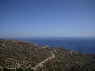 Sur la route de manganari Beach - vu sur Santorin